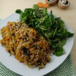 Quick fried rice with field salad