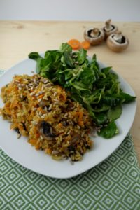 Fried rice with field salad, carbohydrates