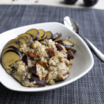 Porridge with ginger bread spices and plums